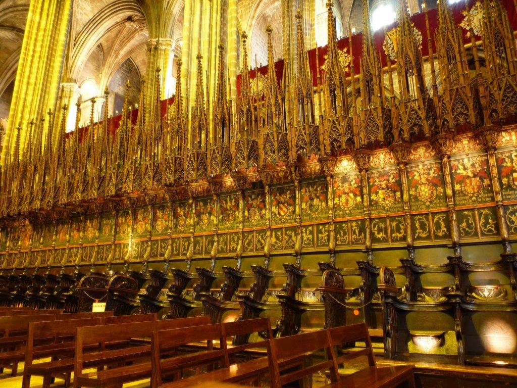 Interior da Catedral de Barcelona na Espanha