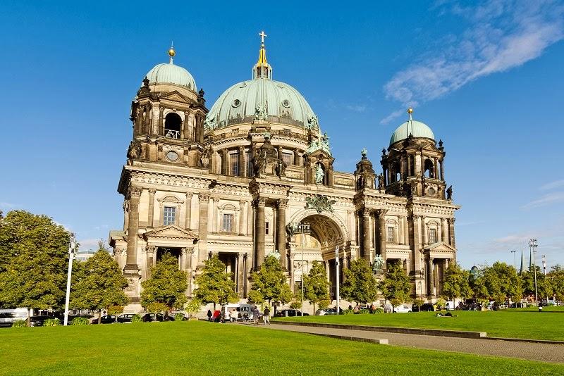 Praça Lustgarten e Catedral de Berlim