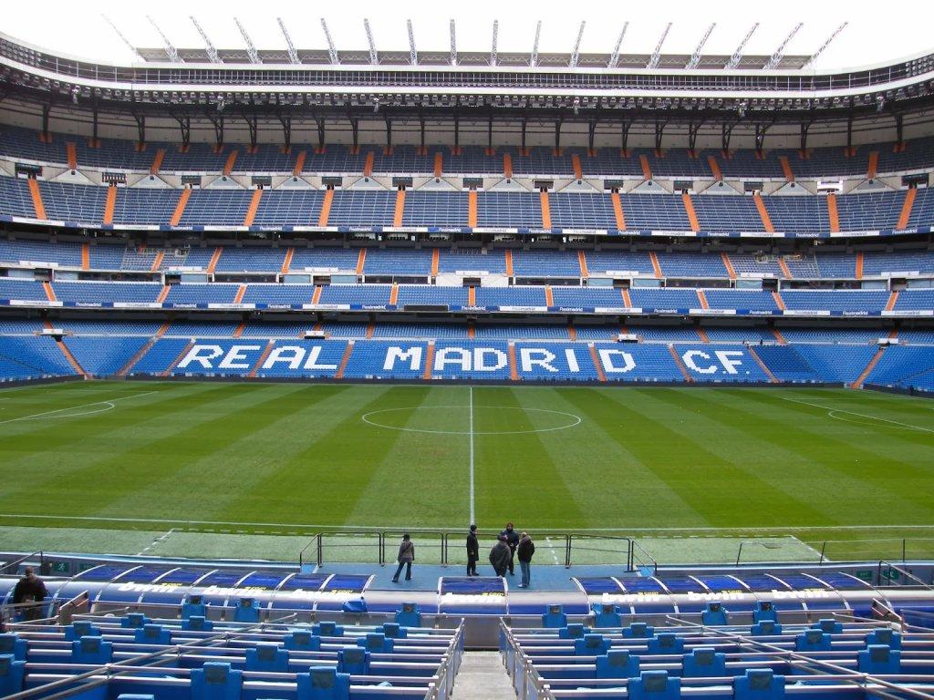 Arquibancada do Estádio Santiago Bernabéu em Madri