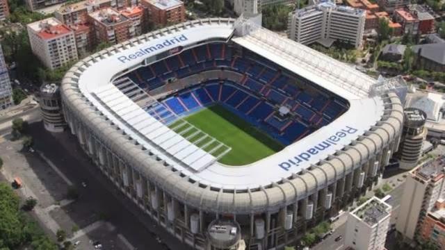 Estádio Santiago Bernabéu em Madri visto de cima