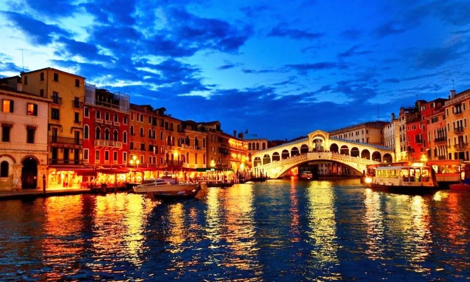 Ponte di Rialto em Veneza na Itália