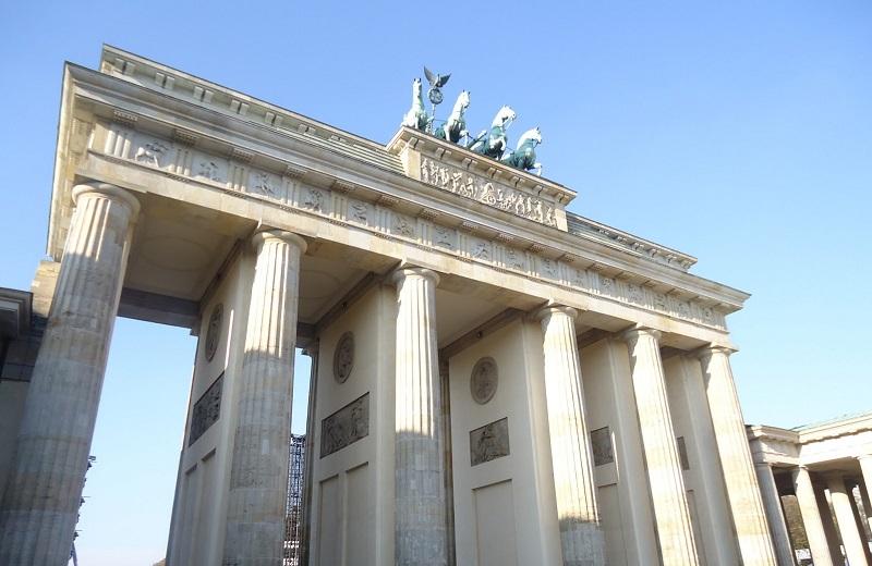 Portão de Brandemburgo em Berlim durante o dia