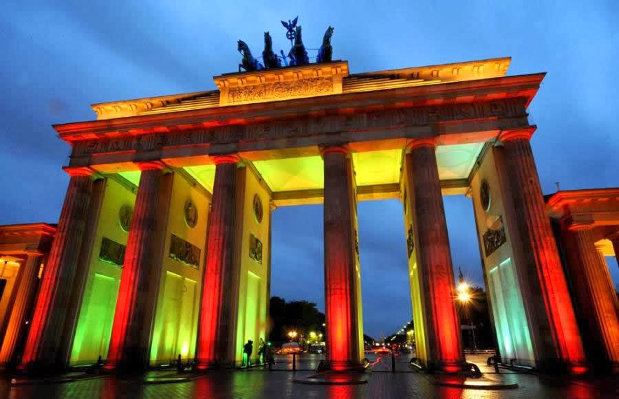 Portão de Brandemburgo em Berlim iluminado