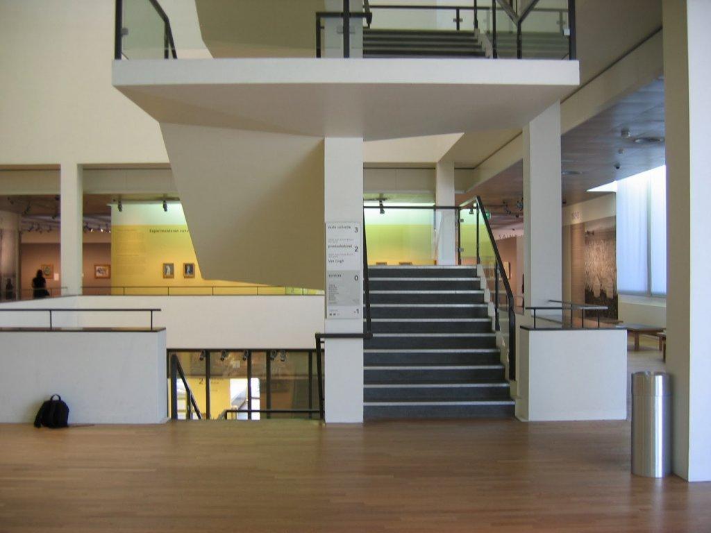 Interior do Museu Van Gogh em Amsterdam