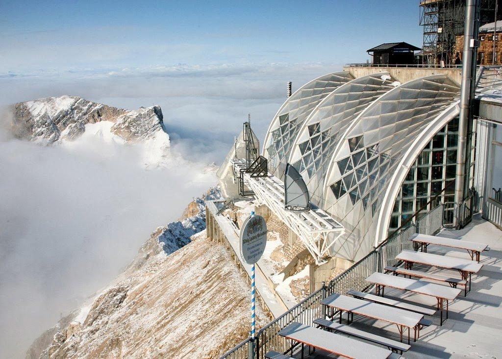 Estação na montanha Zugspitze na Alemanha
