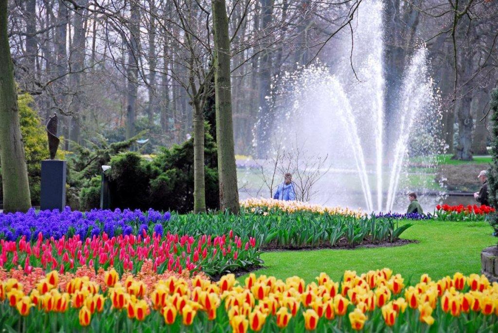 Fonte do Jardim Keukenhof de Amsterdam na Holanda