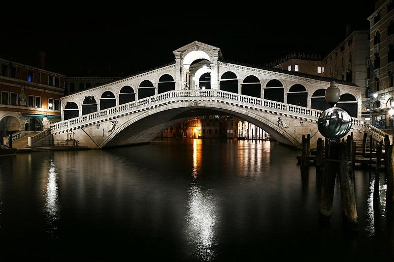 Ponte di Rialto em Veneza | Itália