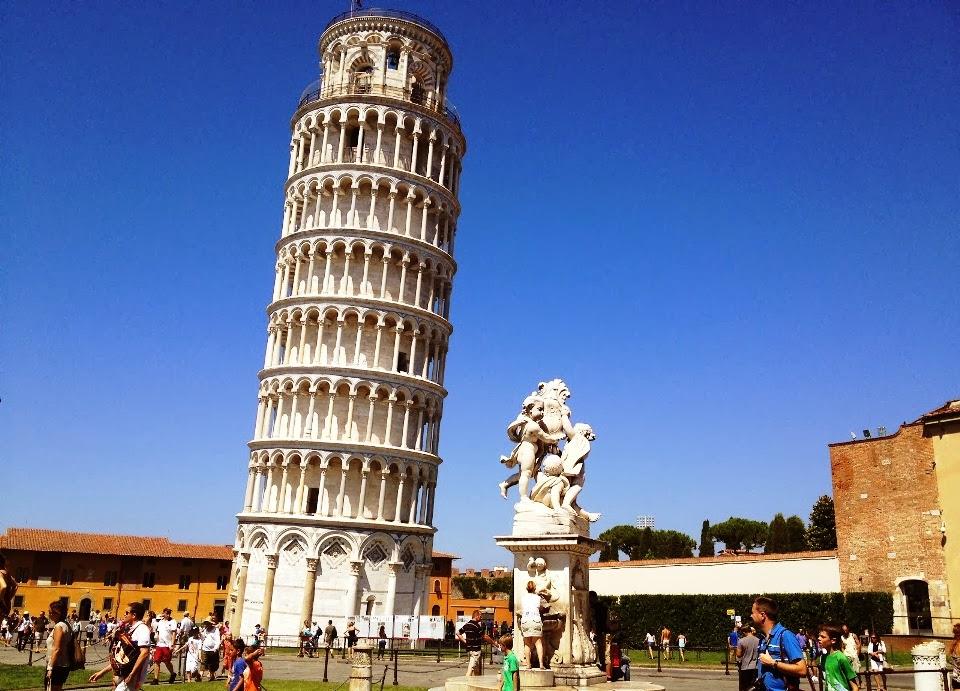 Inclinada Torre de Pisa na Itália
