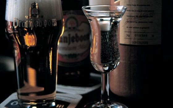 Jenever e cerveja