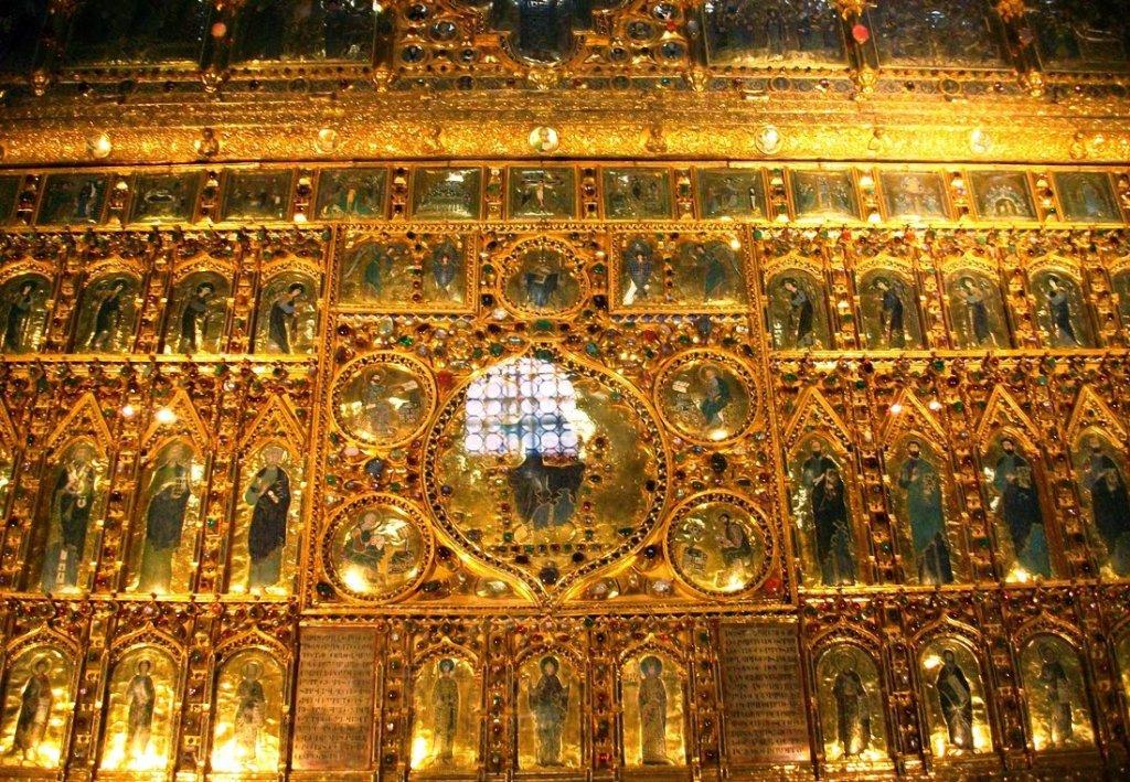 Detalhe do interior da Basílica de San Marco Pala D'Oro