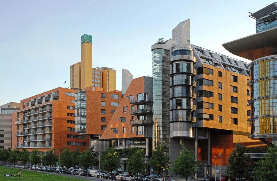 Construções em Potsdamer Platz em Berlim