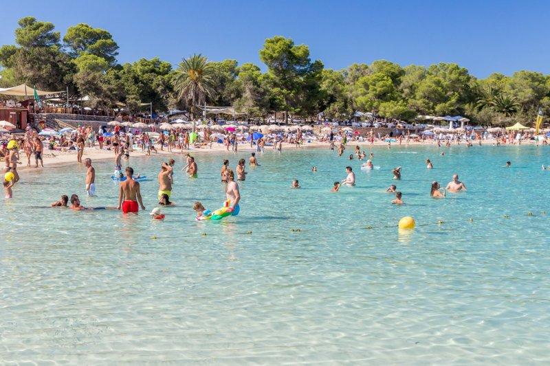 Praia Cala Bassa em Ibiza | Espanha