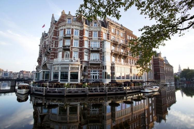 Hotel ao pé d'água na Holanda