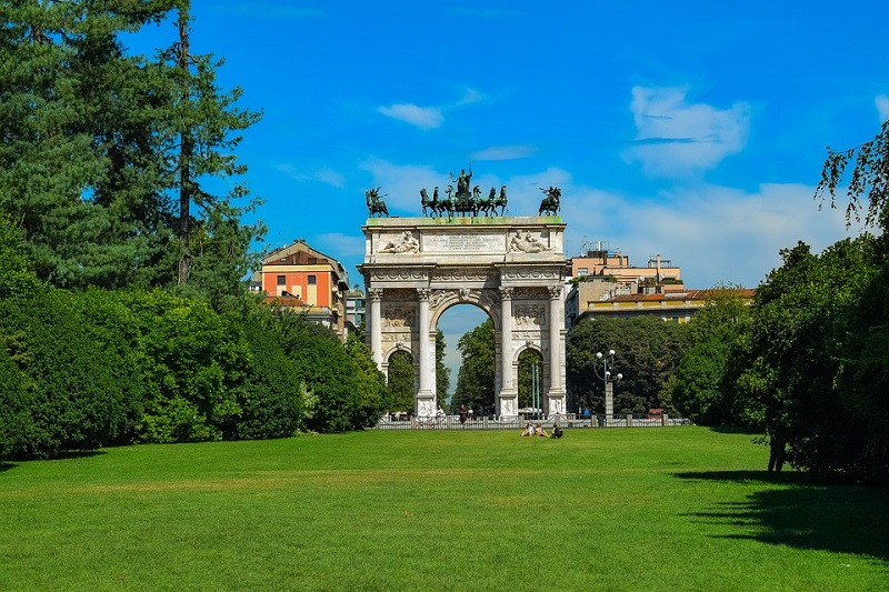 Os parques e jardins em Milão   Itália
