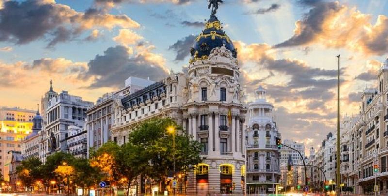 Rua Calle Mayor em Madri | Espanha