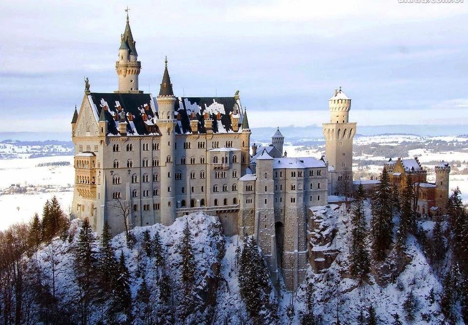 Castelo de Neuschwanstein na Alemanha no inverno