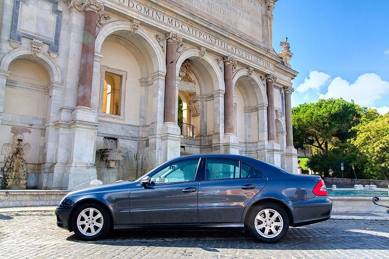Como alugar um carro barato na Europa: Dicas para economizar