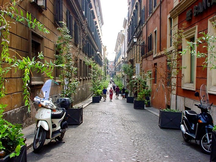 Rua em Roma na Itália