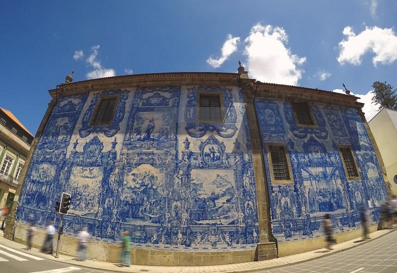 Lateral da Capela das Almas no Porto