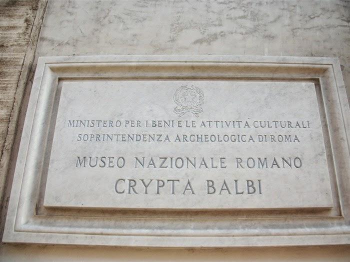 Placa indicando o Museu Nacional Romano em Roma