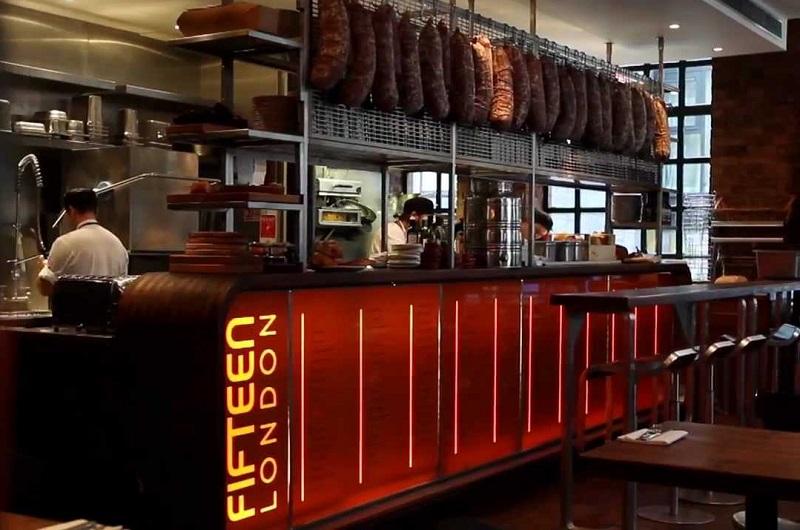 Interior do Restaurante Fifteen em Londres