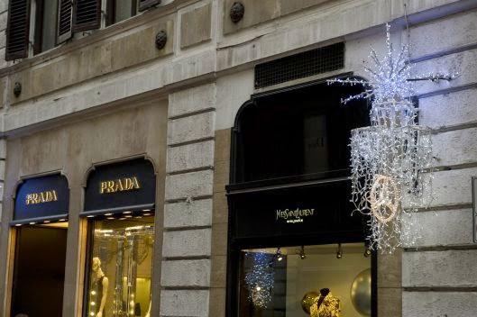Loja da Prada em rua de Roma