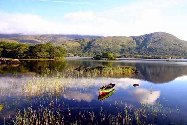 Lago em Ring of Kerry em Killarney na Irlanda