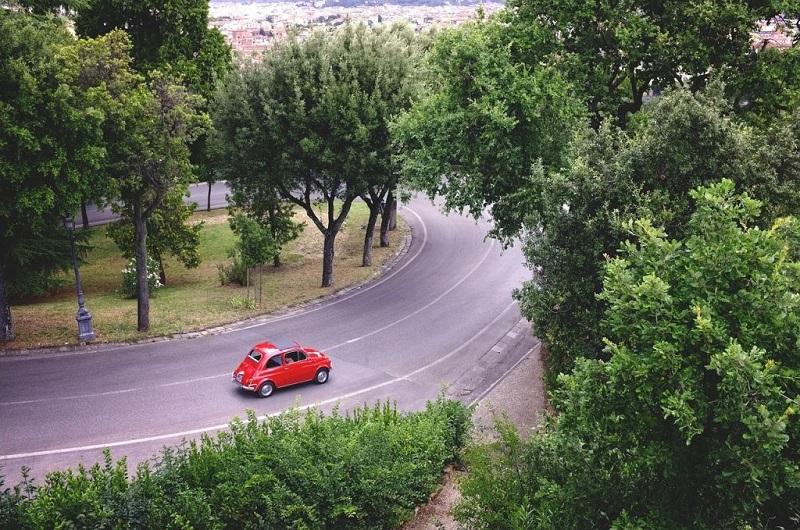 Como e onde alugar um carro na Itália