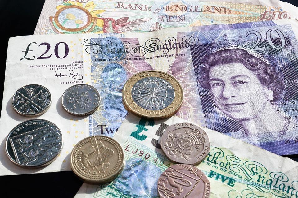 Notas e moedas de libras