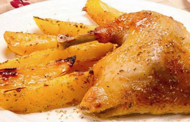 Prato servido no restaurante O Giorgis na ilha de Naxos