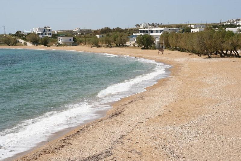 PraiaAmbelas na ilha de Paros