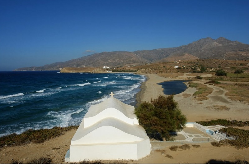 Praia Amitis na ilha de Naxos