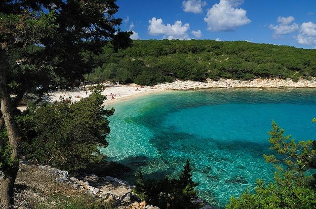 Praia Emblisi Fiskardo na ilha de Cefalônia