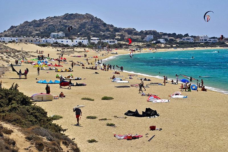 Praia Mikri Vigla na ilha de Naxos