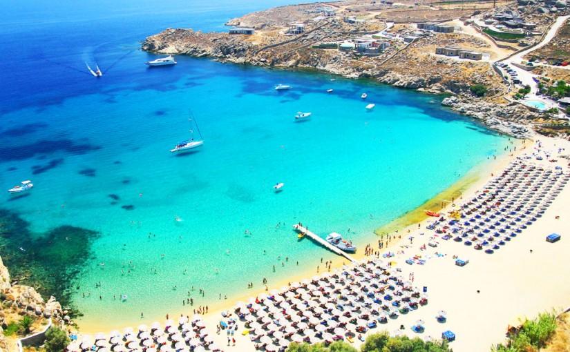 Praia Super Paradise na Grécia