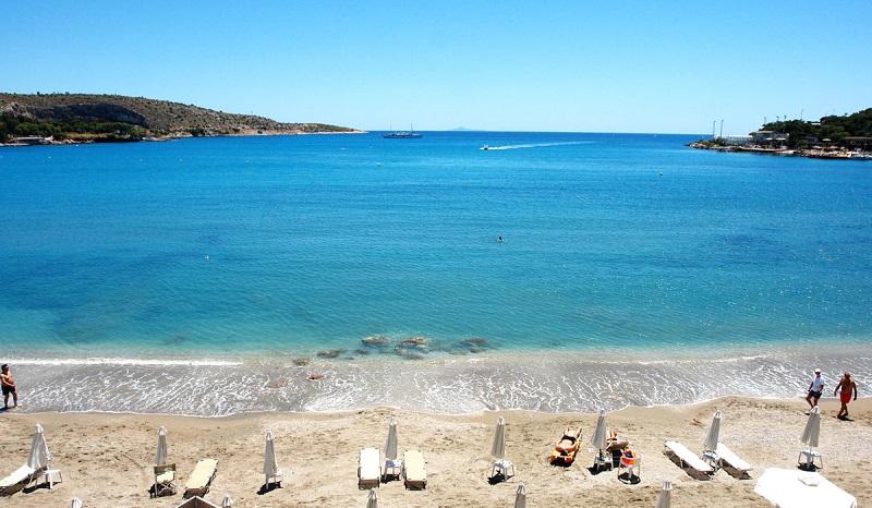 Praia Vouliagmeni em Atenas