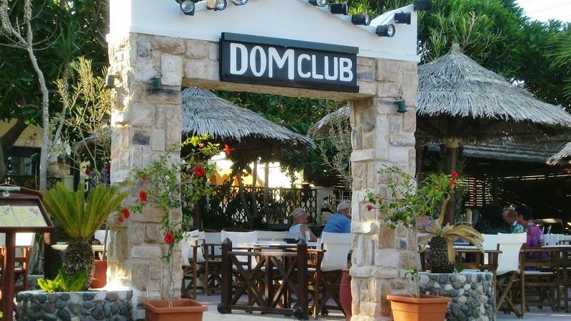 Dom Club na ilha de Santorini