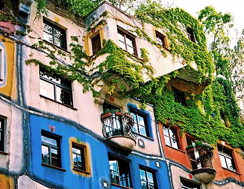 Construção Hundertwasserhaus em Viena