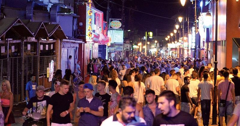 Movimento noturno na ilha de Creta