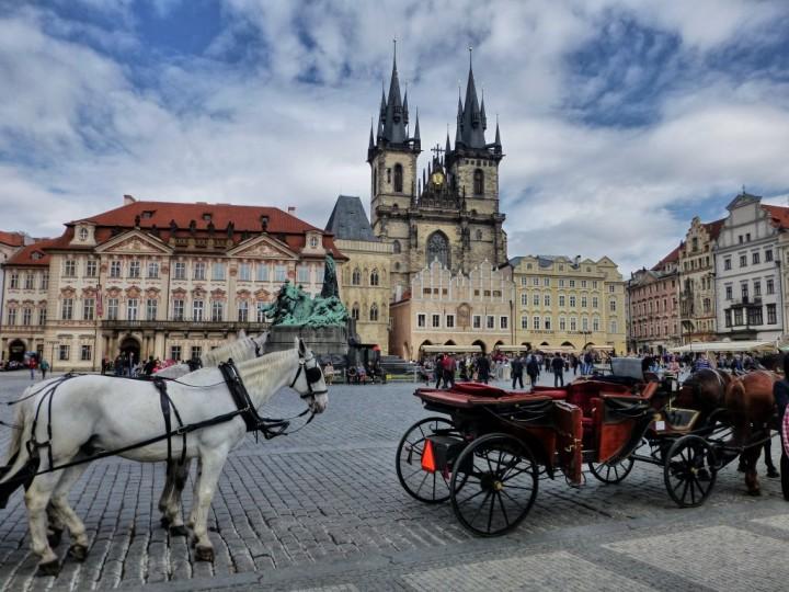 Carruagem na Cidade Velha em Praga
