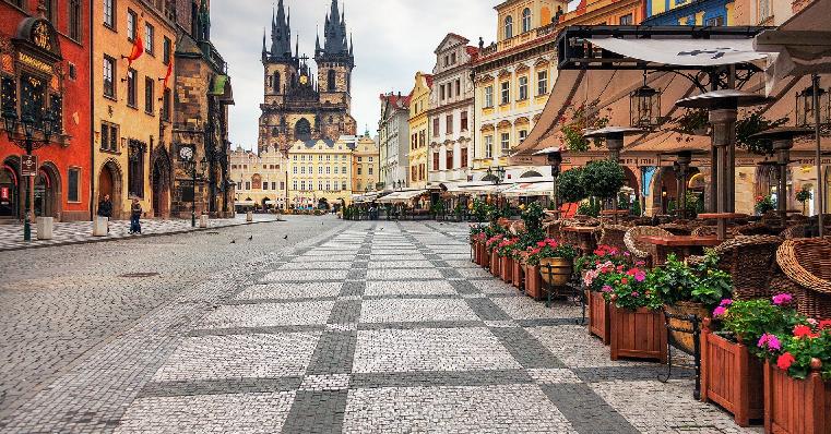 Ruas em Praga na República Checa