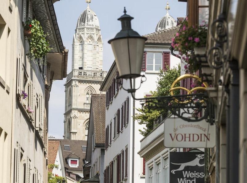 Rua Niederdorf em Zurique