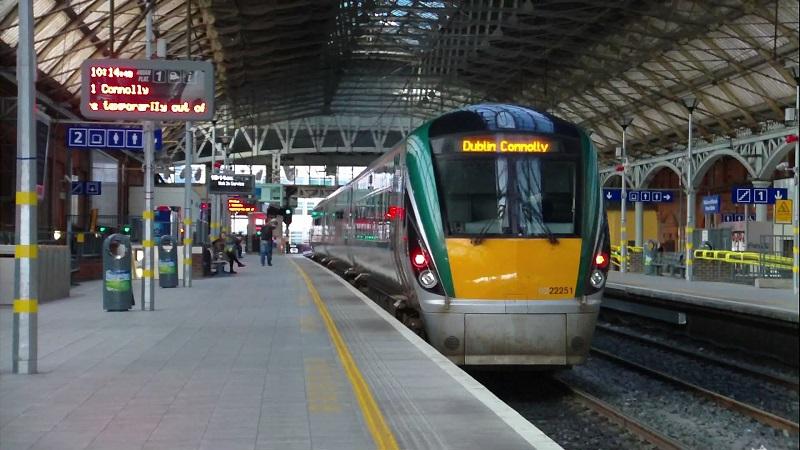 Estação de trem na Irlanda e na Europa