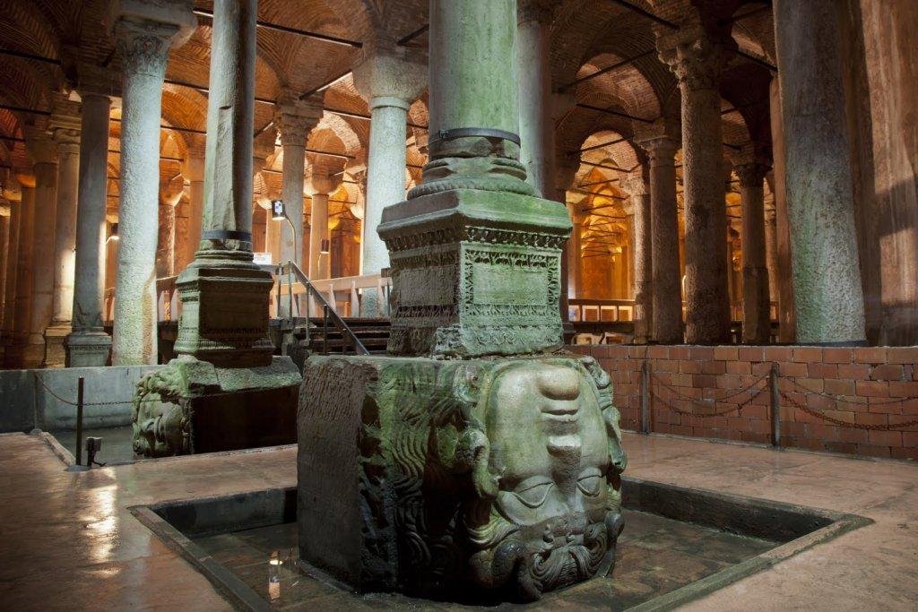 Interior da Basílica em Istambul