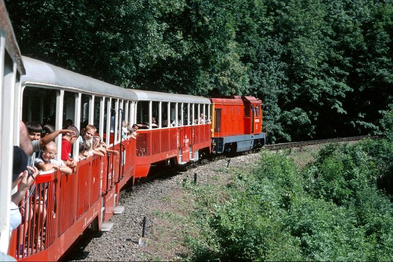 Estrada de ferro das crianças em Budapeste