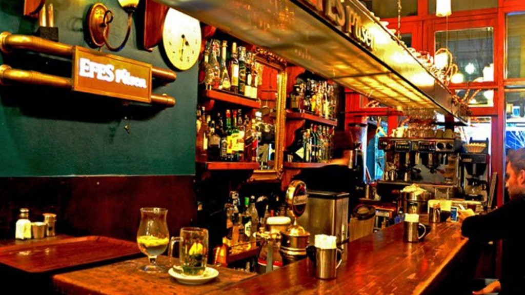 Café-bar Smyrna em Istambul na Turquia