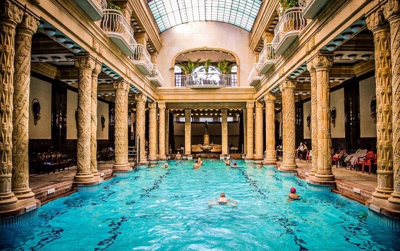 Banhos termais Géllert em Budapeste