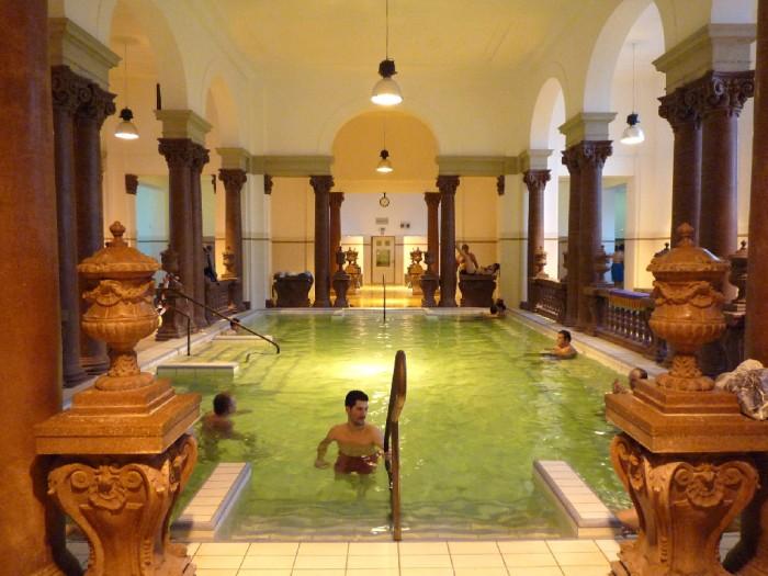 Piscina de banhos termais Széchenyi