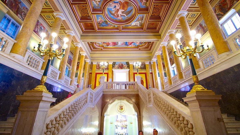 Interior do Museu Nacional Húngaro