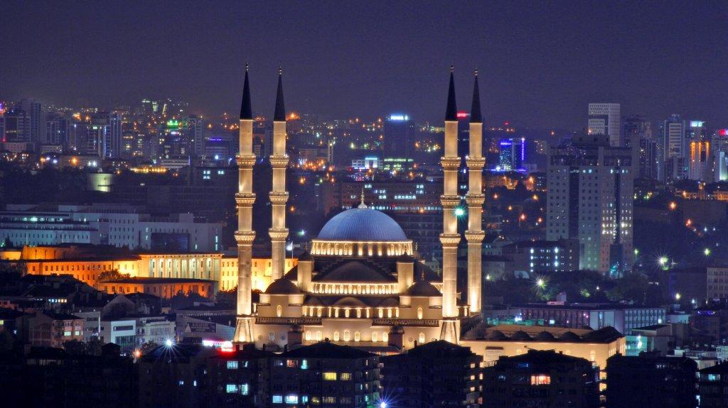 Mesquita Kocatepe em Ancara na Turquia